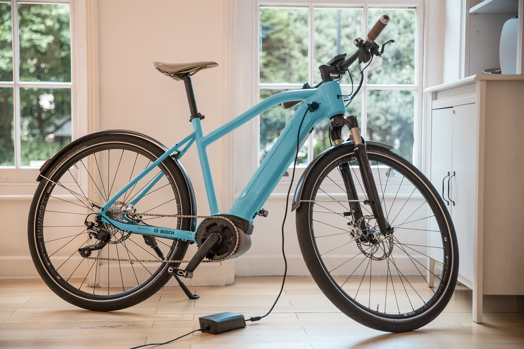 charger the charger for batteries of the bosch ebike systems bosch ebike systems. Black Bedroom Furniture Sets. Home Design Ideas