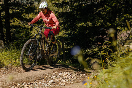 Bosch eBike Athlete Greta Weithaler experiencing Uphill Flow with the new Performance Line CX 85 Nm Update.